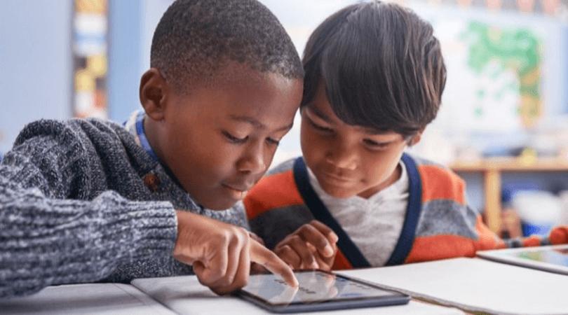 """Larry Cuban: O """"otimismo tecnológico"""" encontra as escolas – as escolas vencem (parte 2)"""
